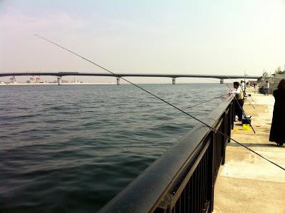 神戸空港で釣り