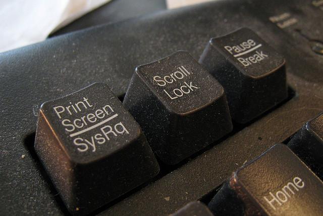 MacのExcelで矢印キーを押してもセルを移動しなくなったときの対処法