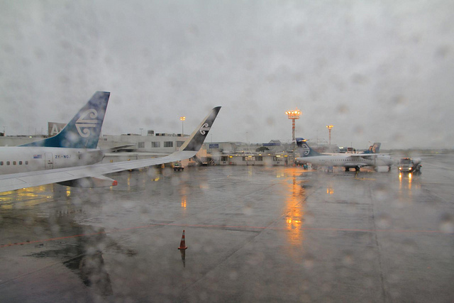 悪天候で飛行機が欠航になったとき払い戻しするには期限があるから注意